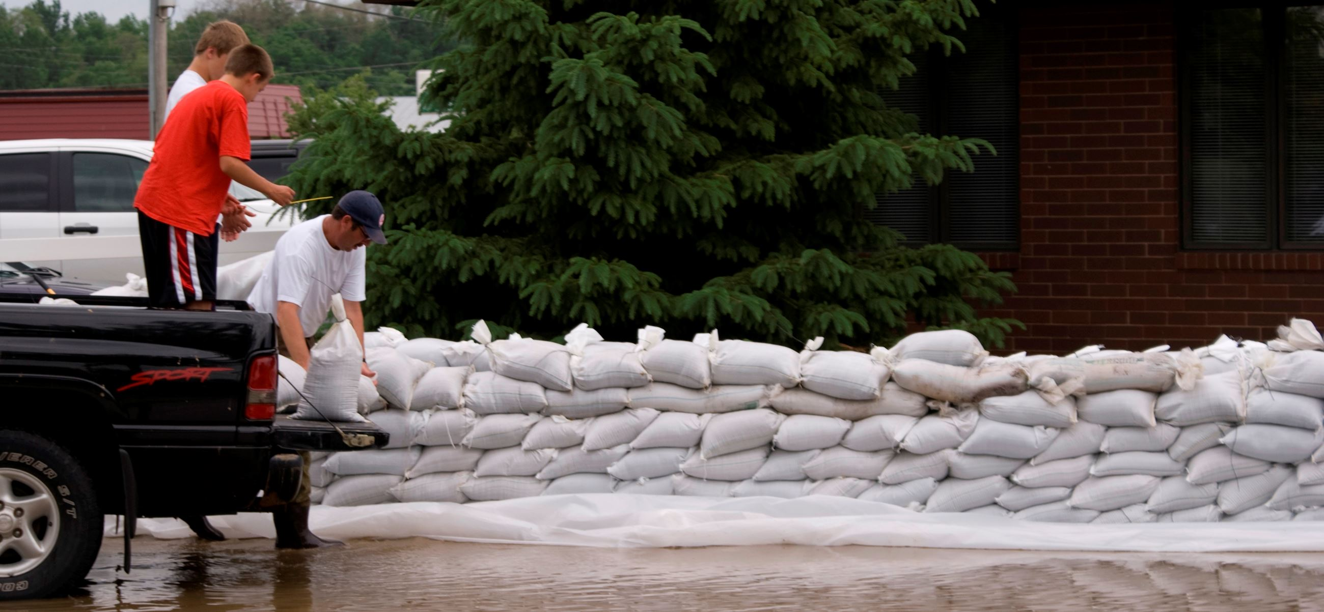 Public_Domain.pictures_sandbags